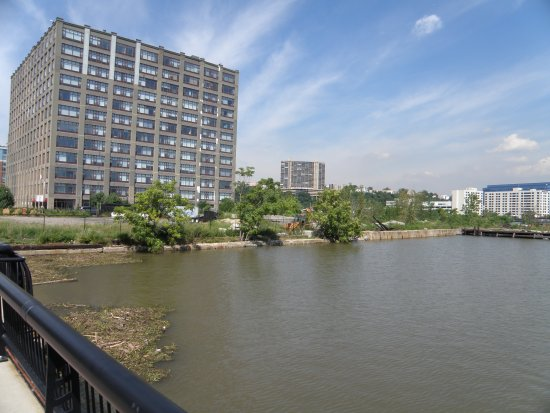 North Pier and adjacent land planned for Hoboken's public waterfront parkway in a Developer's Agreement between Hoboken and Shipyard Associates, who received approvals for a 1160-unit development on six other parcels as part of the Agreement. Photo courtesy of FBW.